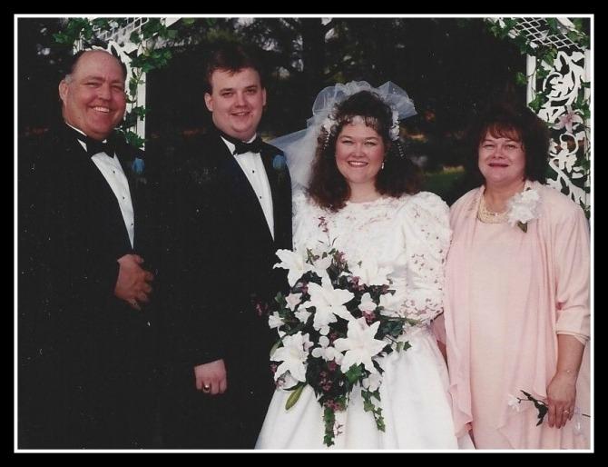 WeddingDaywithMomandDad1995